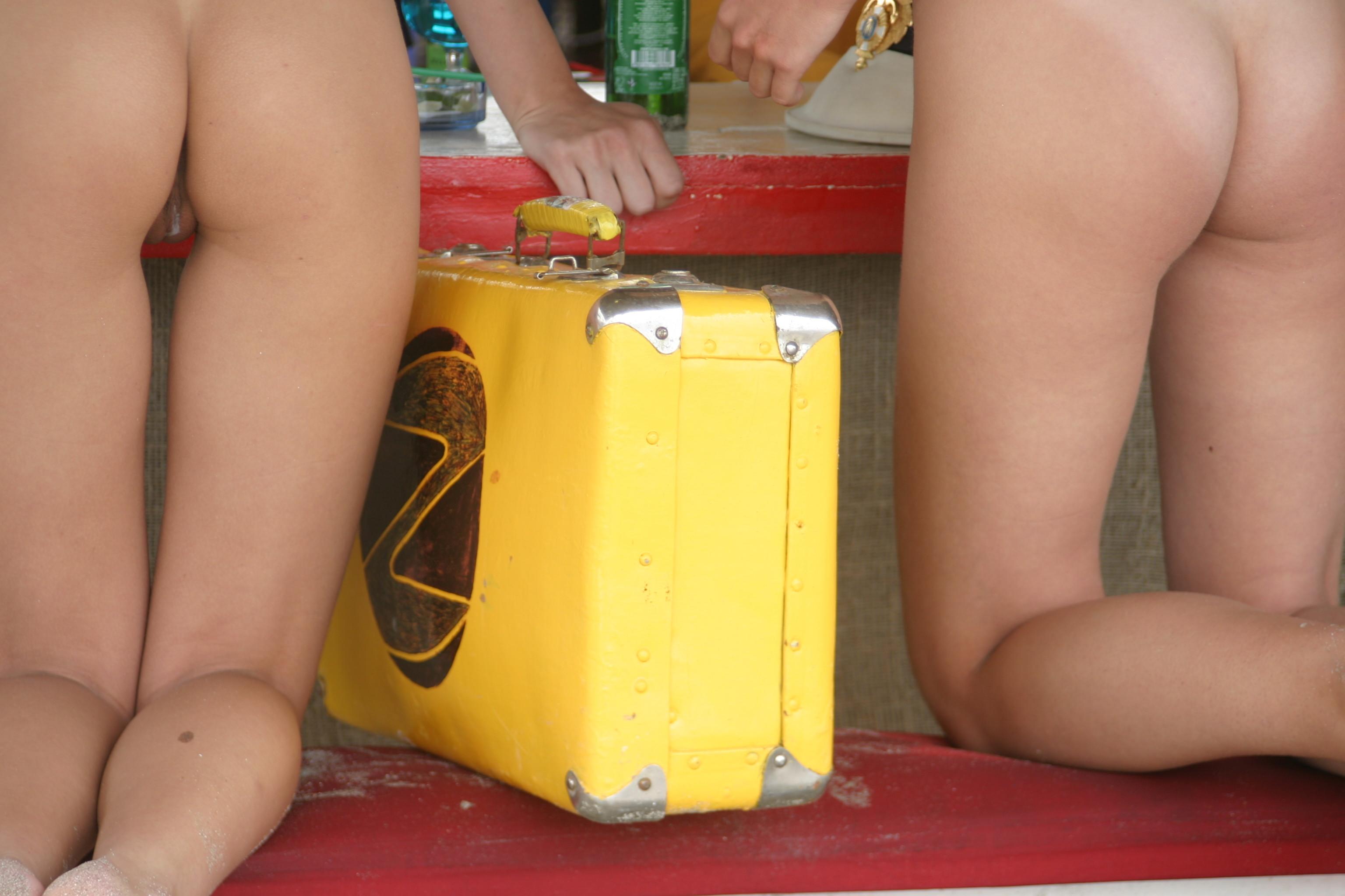 vika-y-lena-l-beach-nude-in-public-metart-46