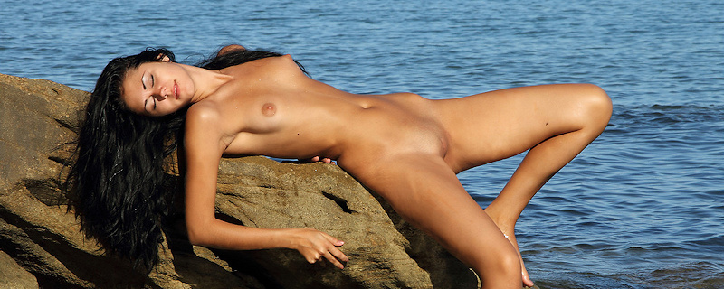 Macy naked by the shore