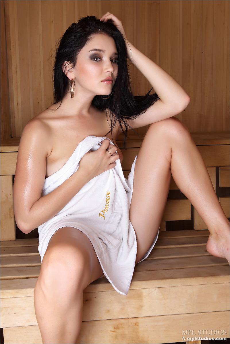 malena-f-naked-brunette-sauna-mplstudios-03