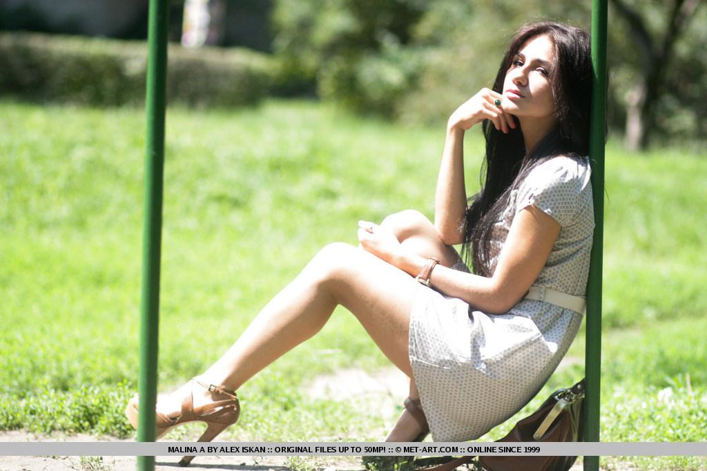 malina-a-backyard-met-art-01