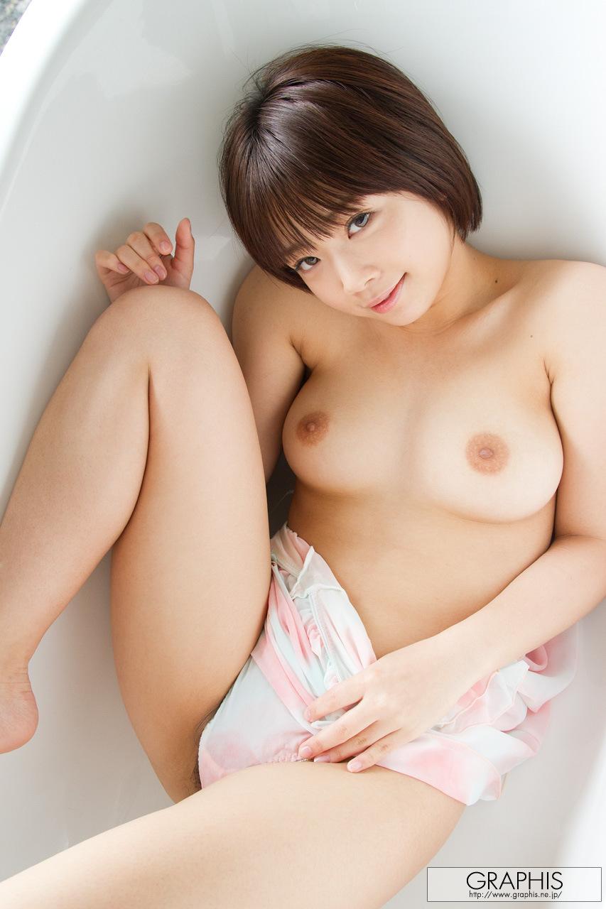 mana-sakura-asian-nude-bath-graphis-15