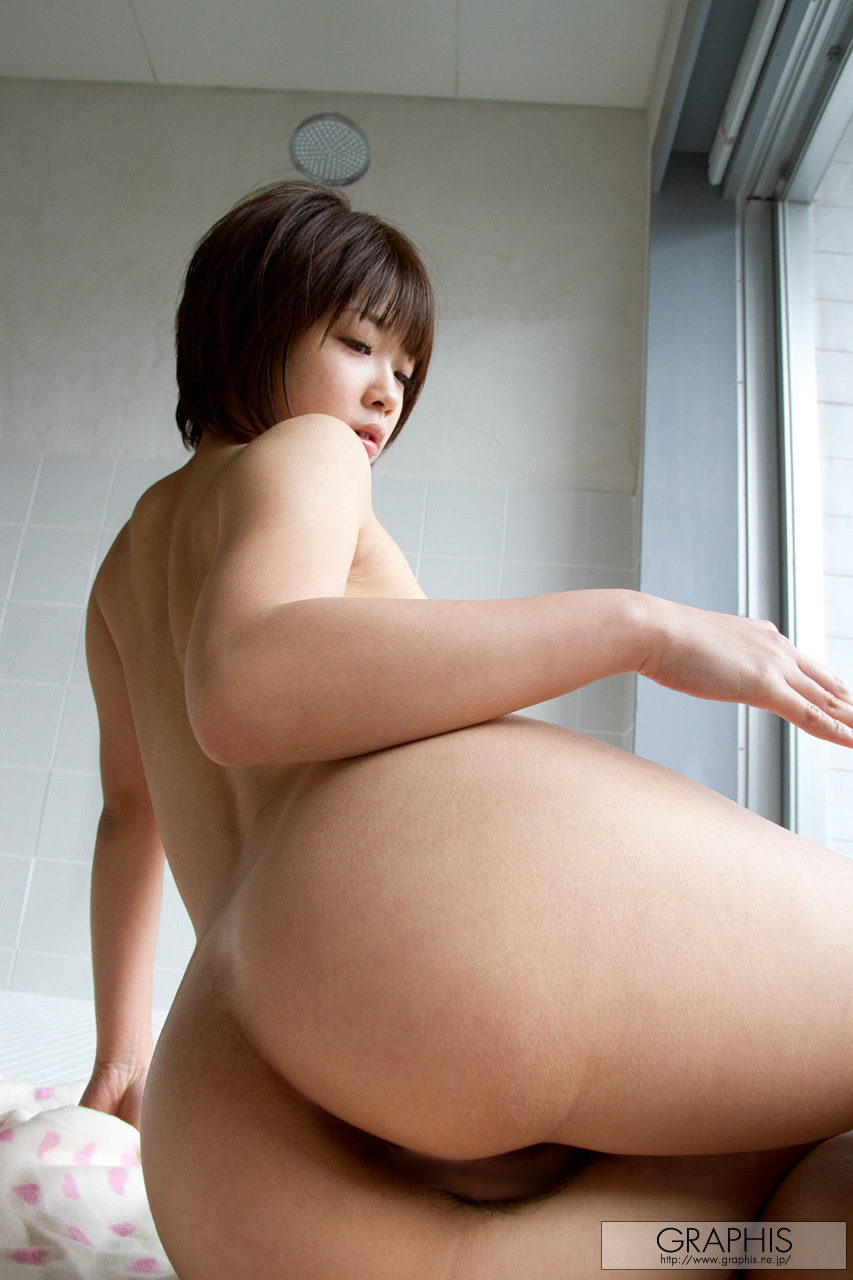 mana-sakura-asian-nude-bath-graphis-34