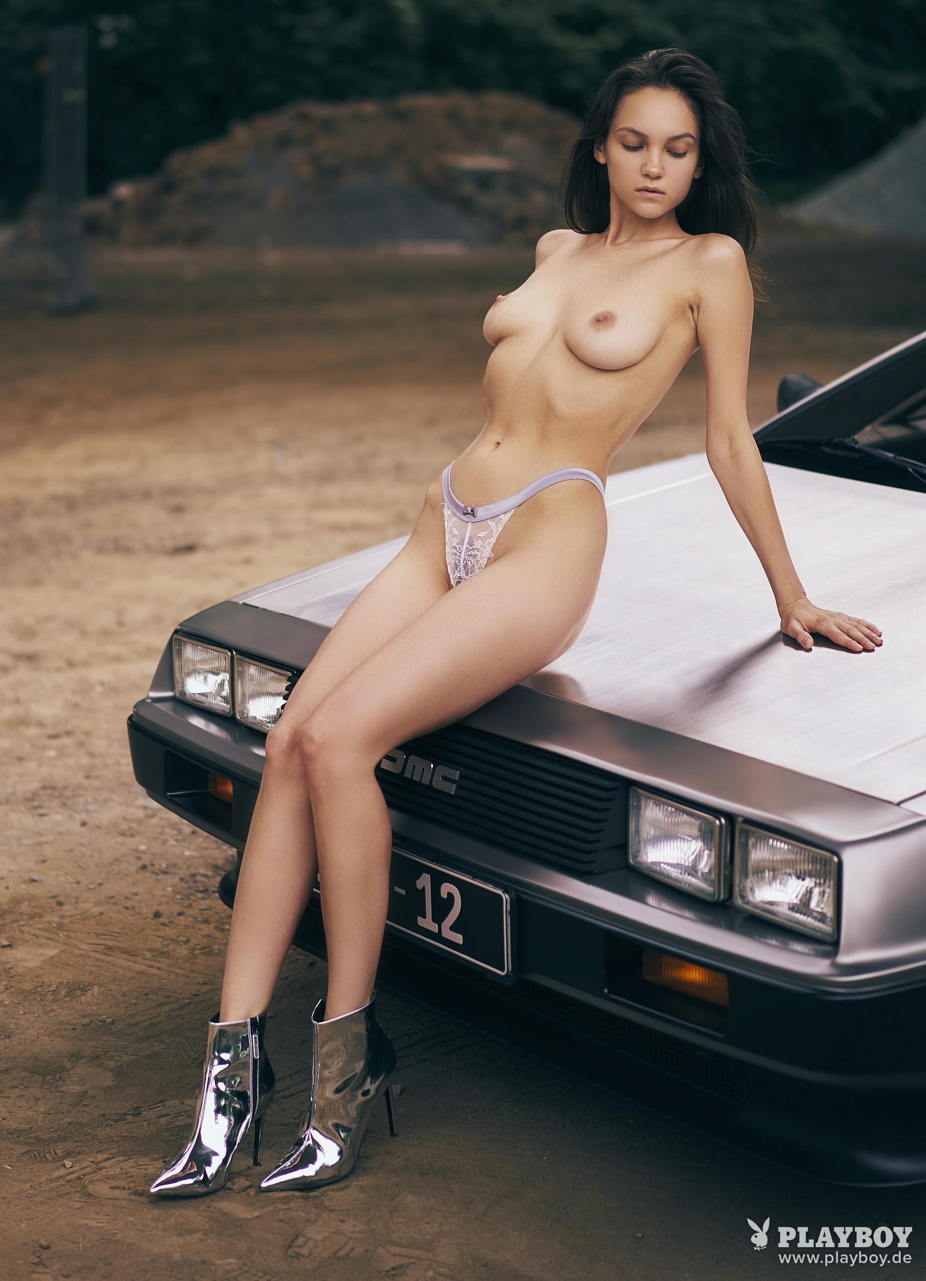 Maria Demina  nackt