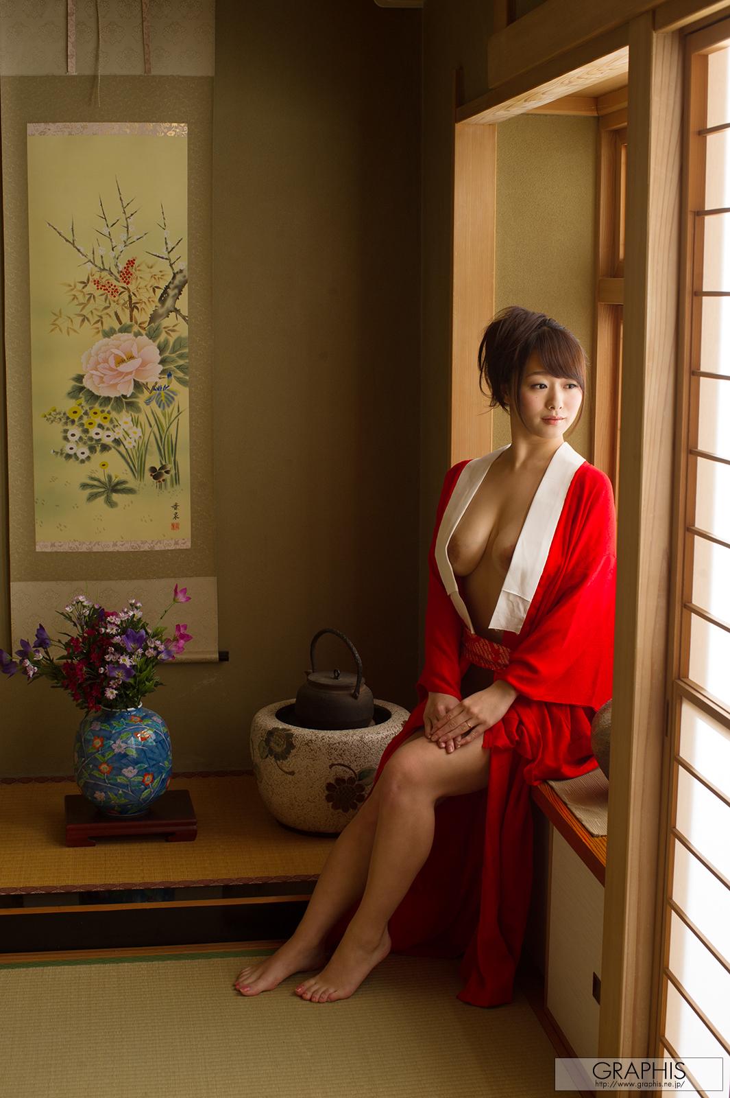 marina-shiraishi-red-kimono-boobs-naked-asian-graphis-07