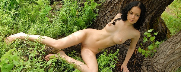 Marliece – Under the tree