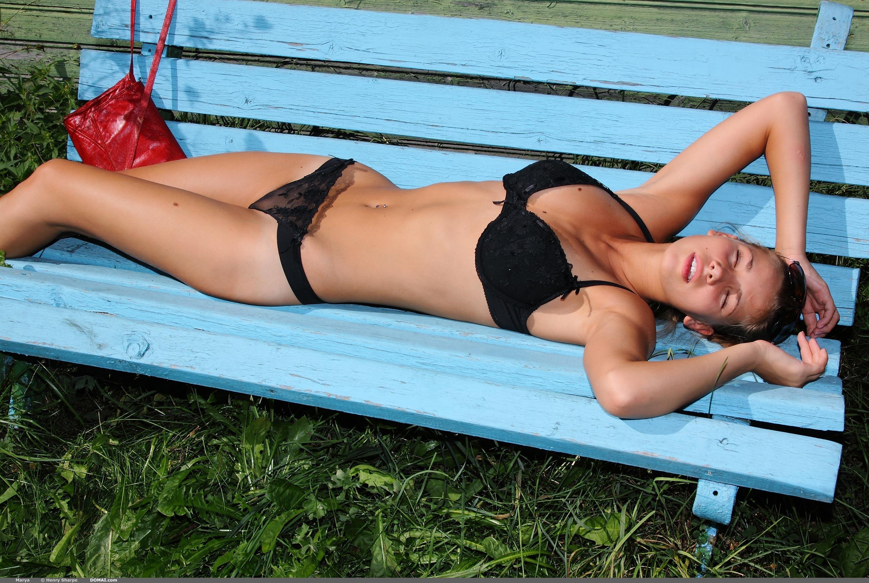 Marya bench sunglasses nude domai 17 RedBust