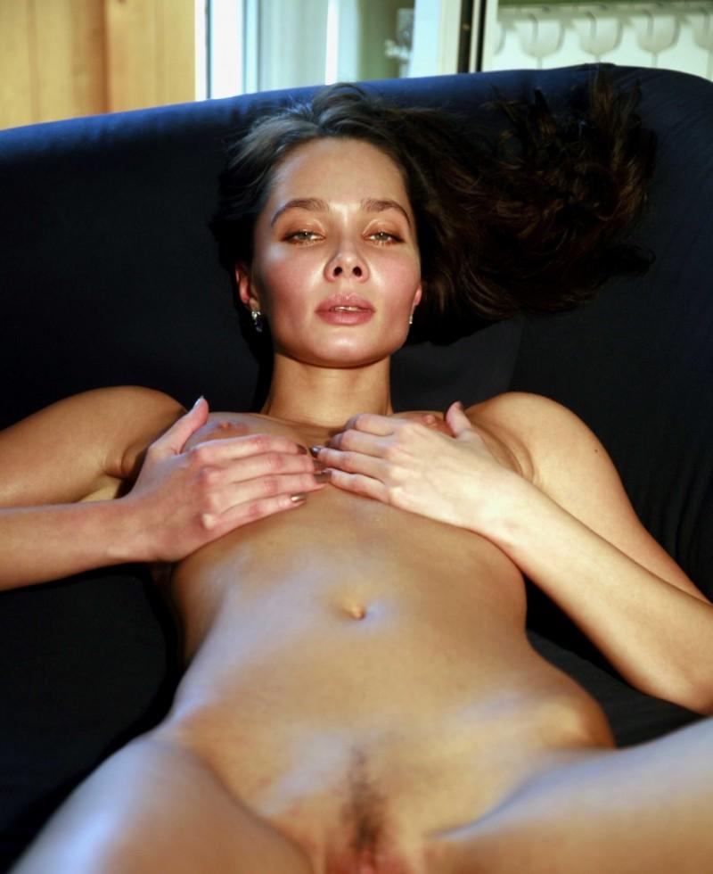 Ballet high heel bondage and oral sex
