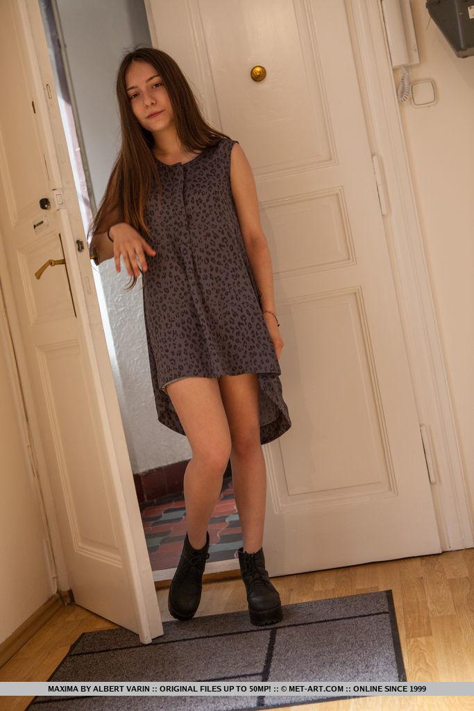 maxima-jeans-shorts-long-hair-nude-metart-02