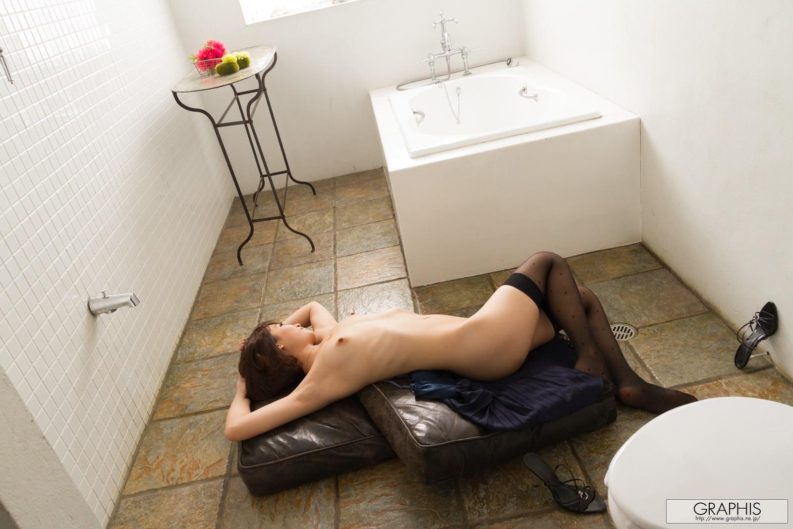 mayu-kamiya-bathroom-black-stockings-asian-naked-graphis-20