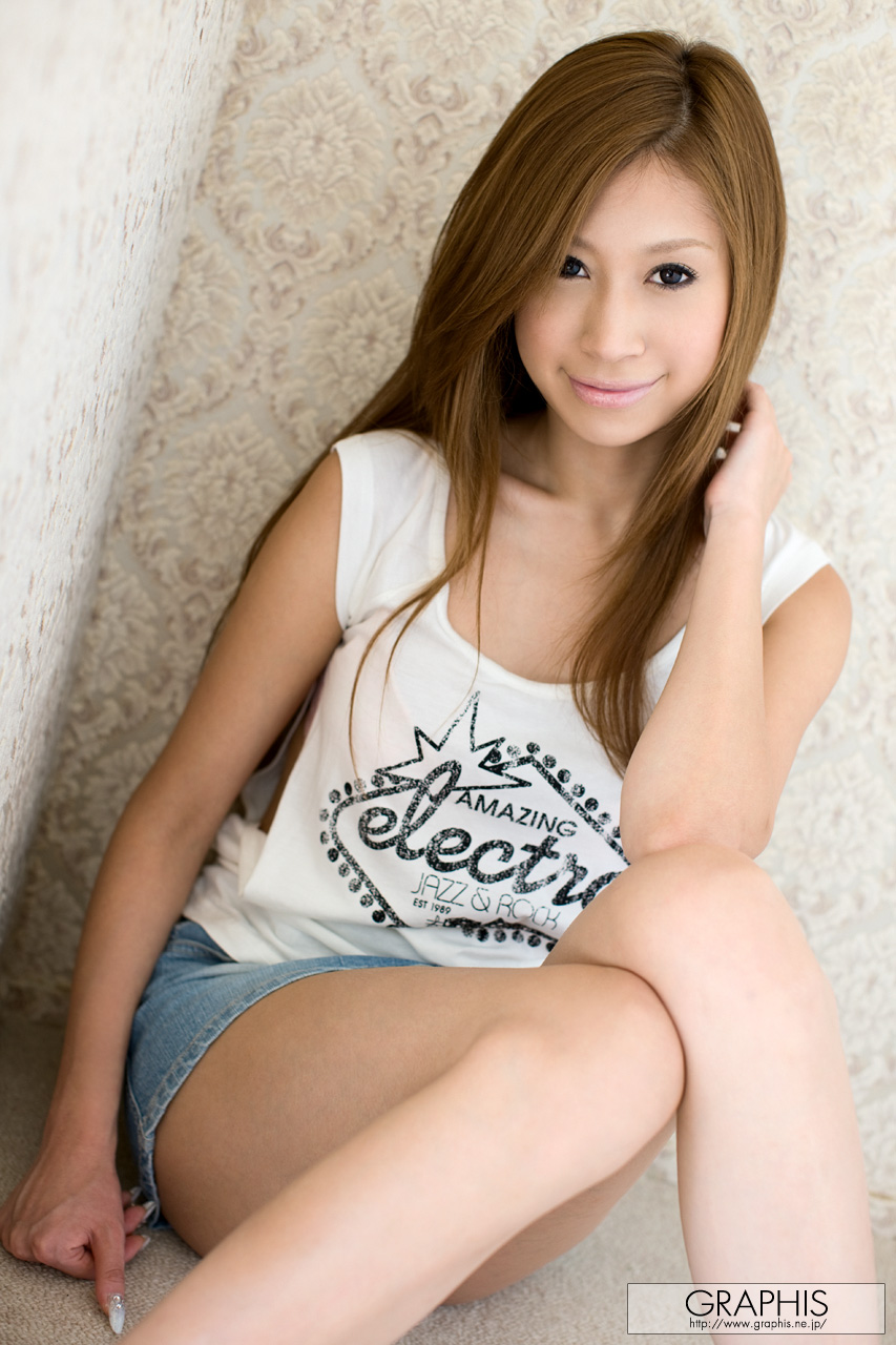 mayumi-sendoh-nude-asian-jeans-miniskirt-graphis-02