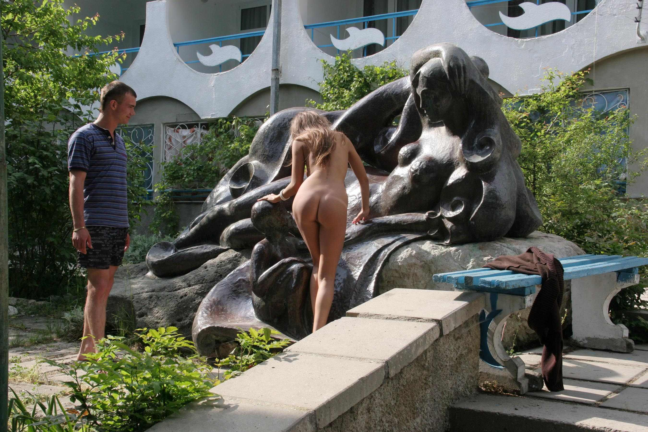 melena-crimean-holiday-public-nude-in-russia-13
