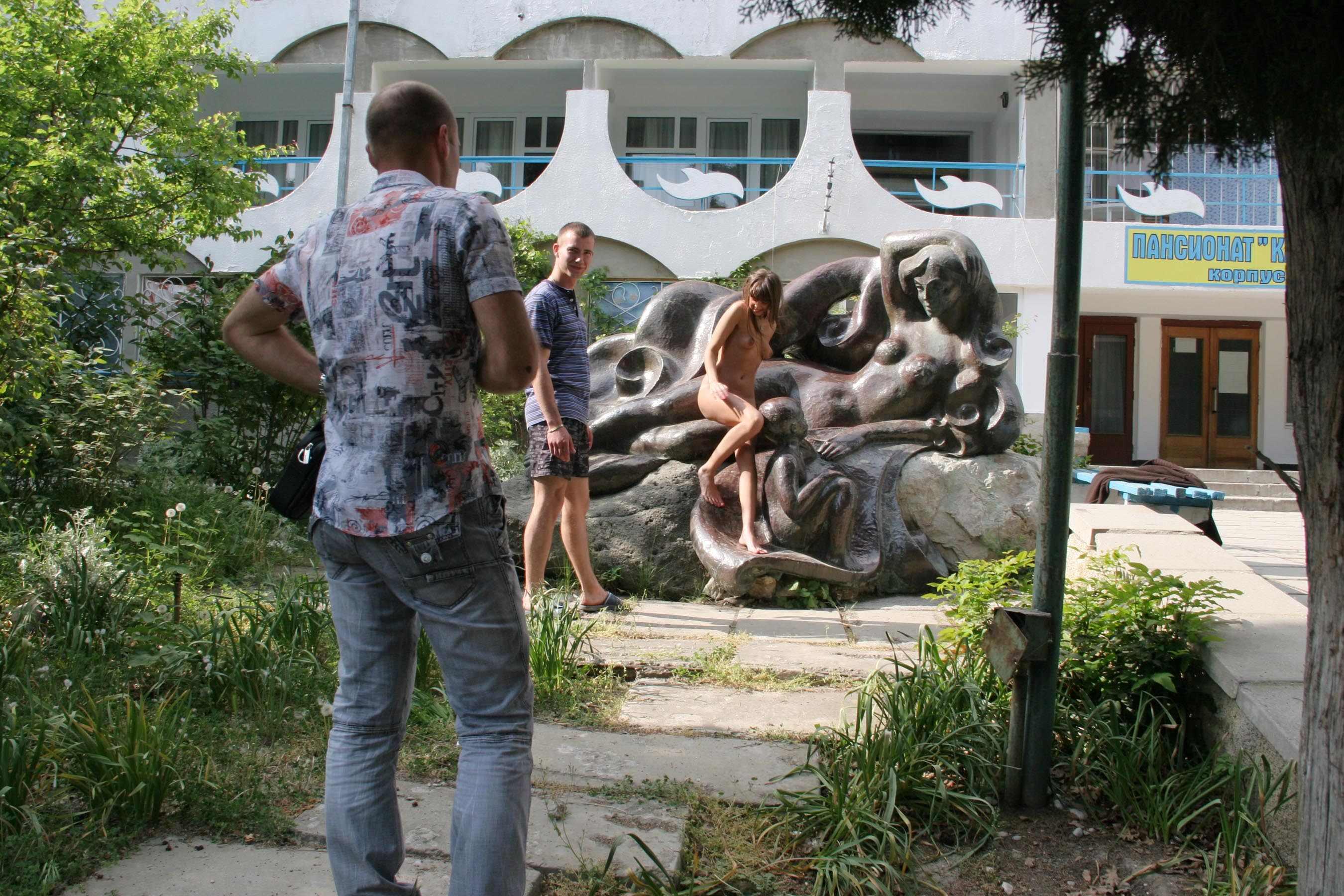 melena-crimean-holiday-public-nude-in-russia-14