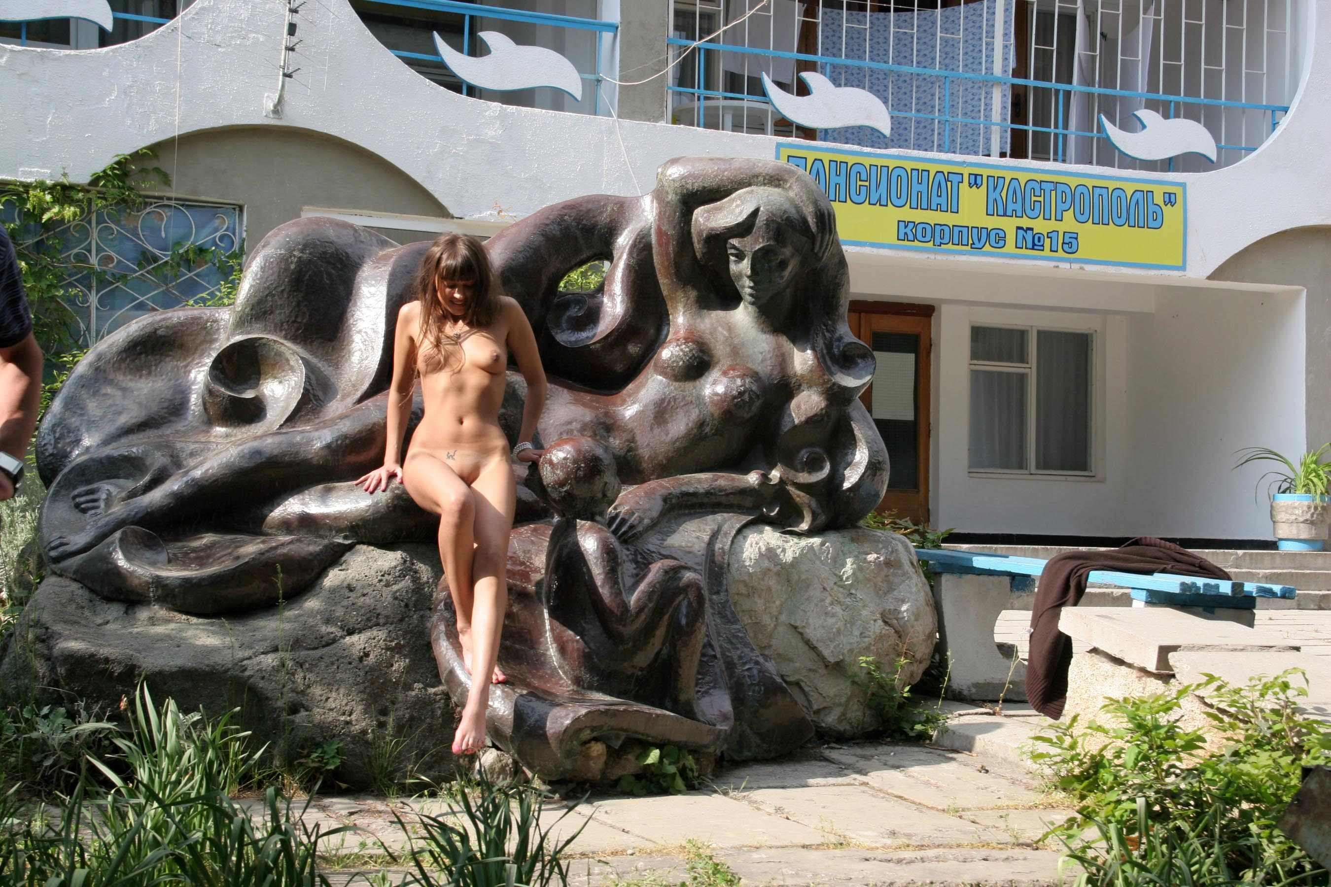 melena-crimean-holiday-public-nude-in-russia-23