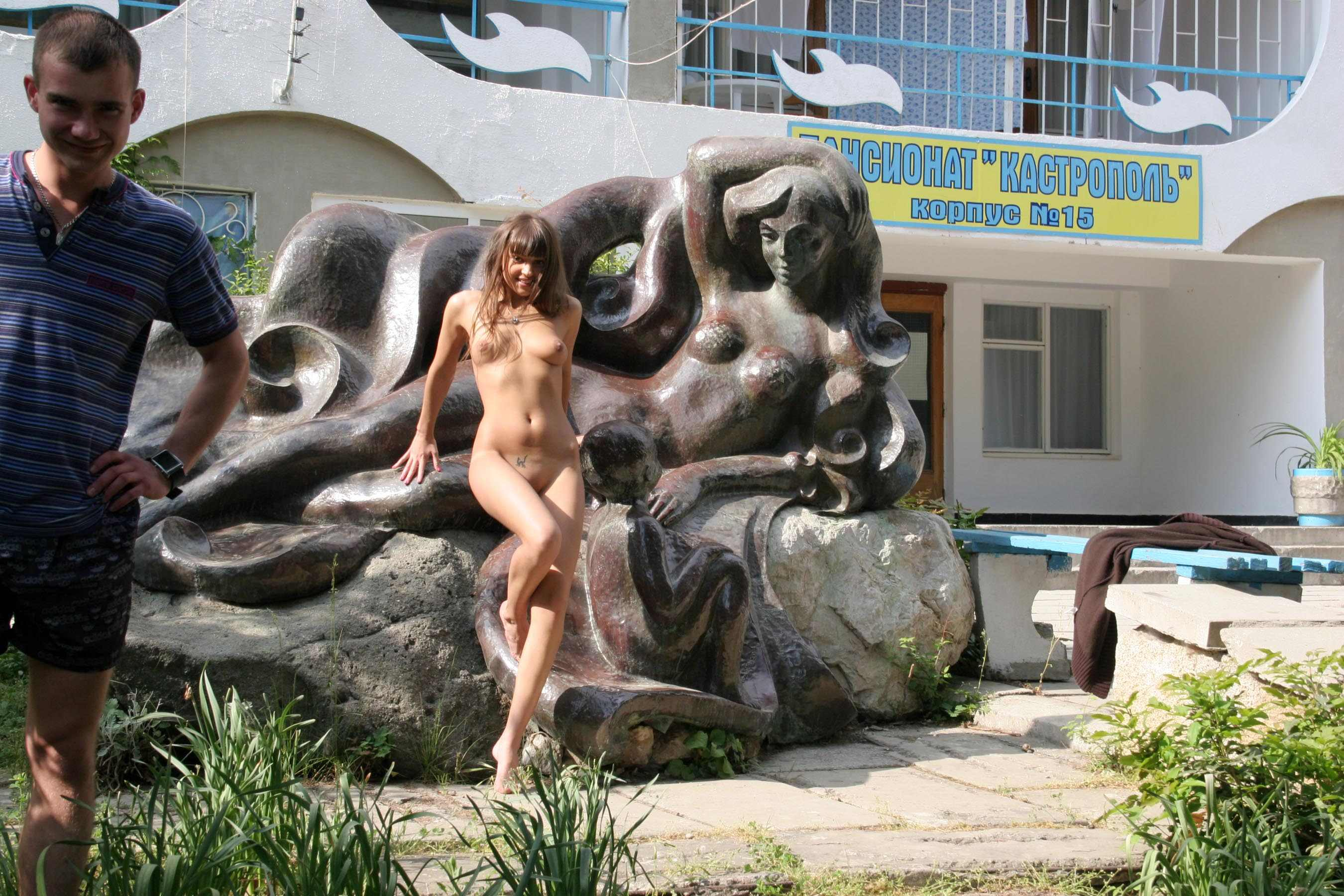 melena-crimean-holiday-public-nude-in-russia-24