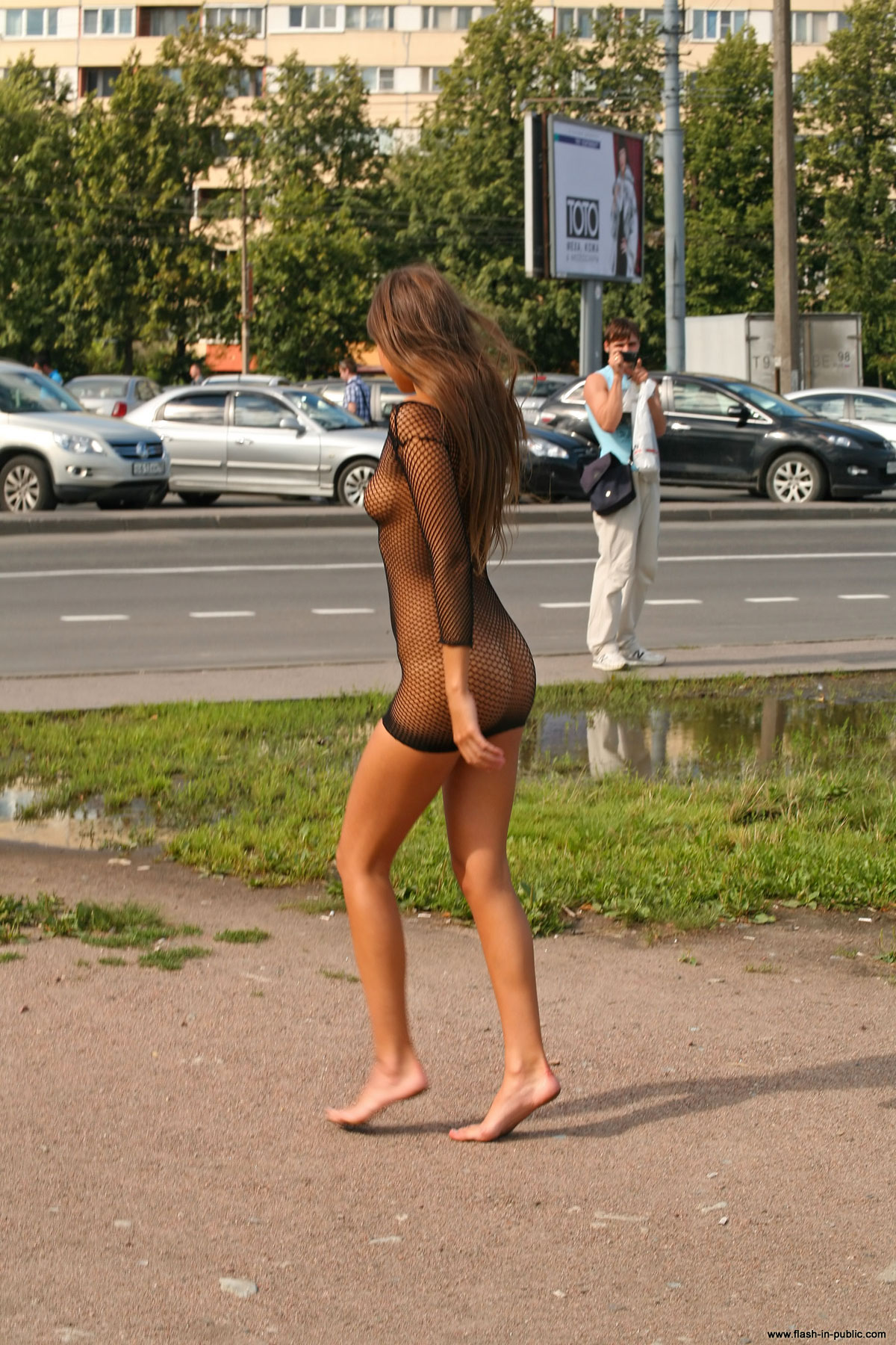 melena-r-nude-fishnet-flash-in-public-19
