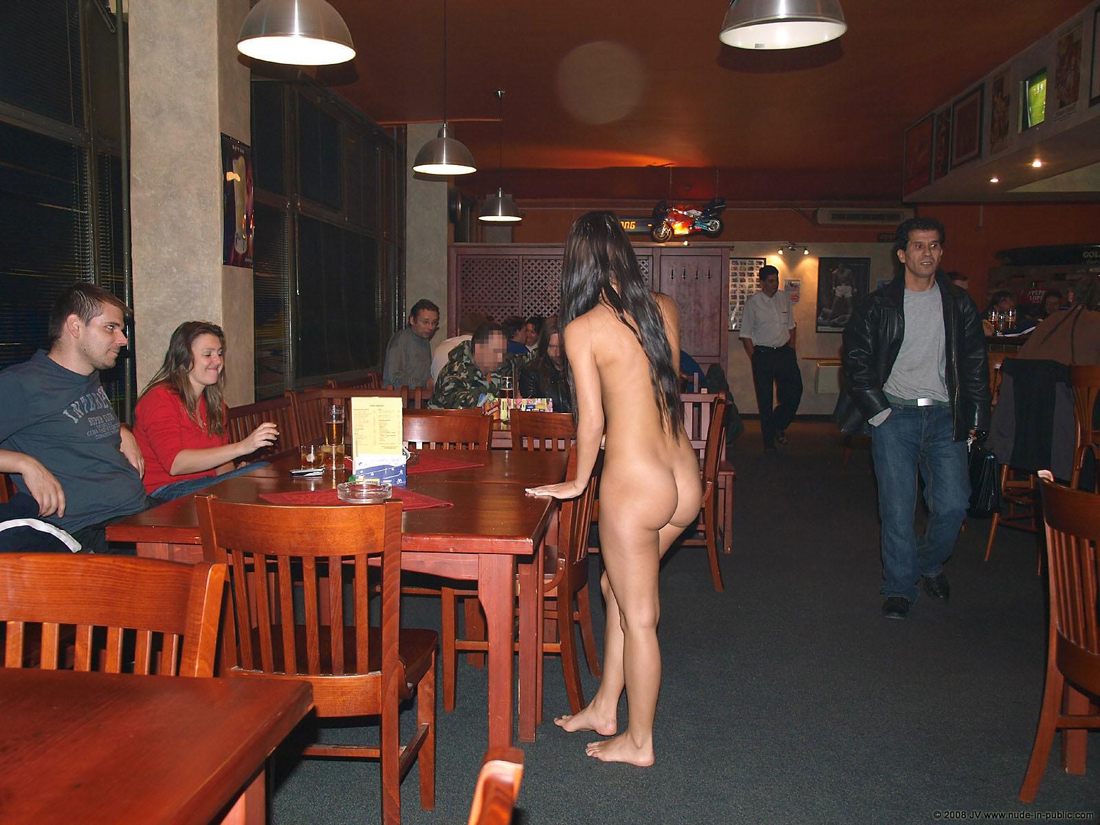 melisa-pub-beer-bar-girl-nude-in-public-10