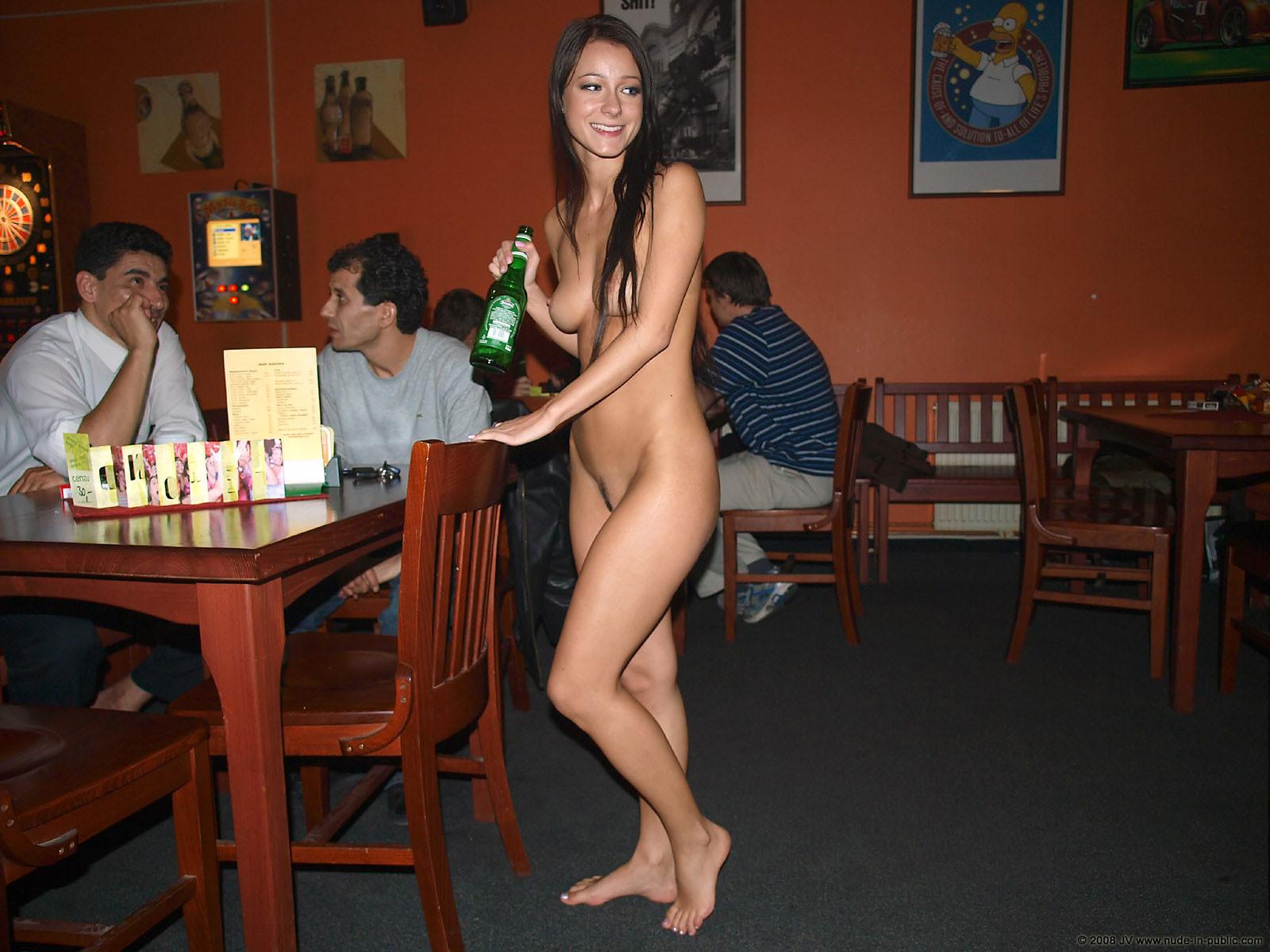 melisa-pub-beer-bar-girl-nude-in-public-61