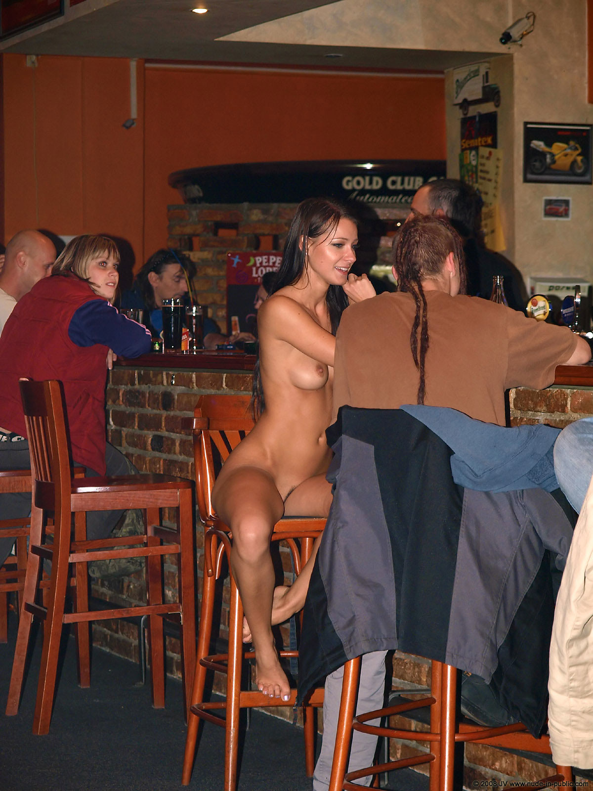 melisa-pub-beer-bar-girl-nude-in-public-89
