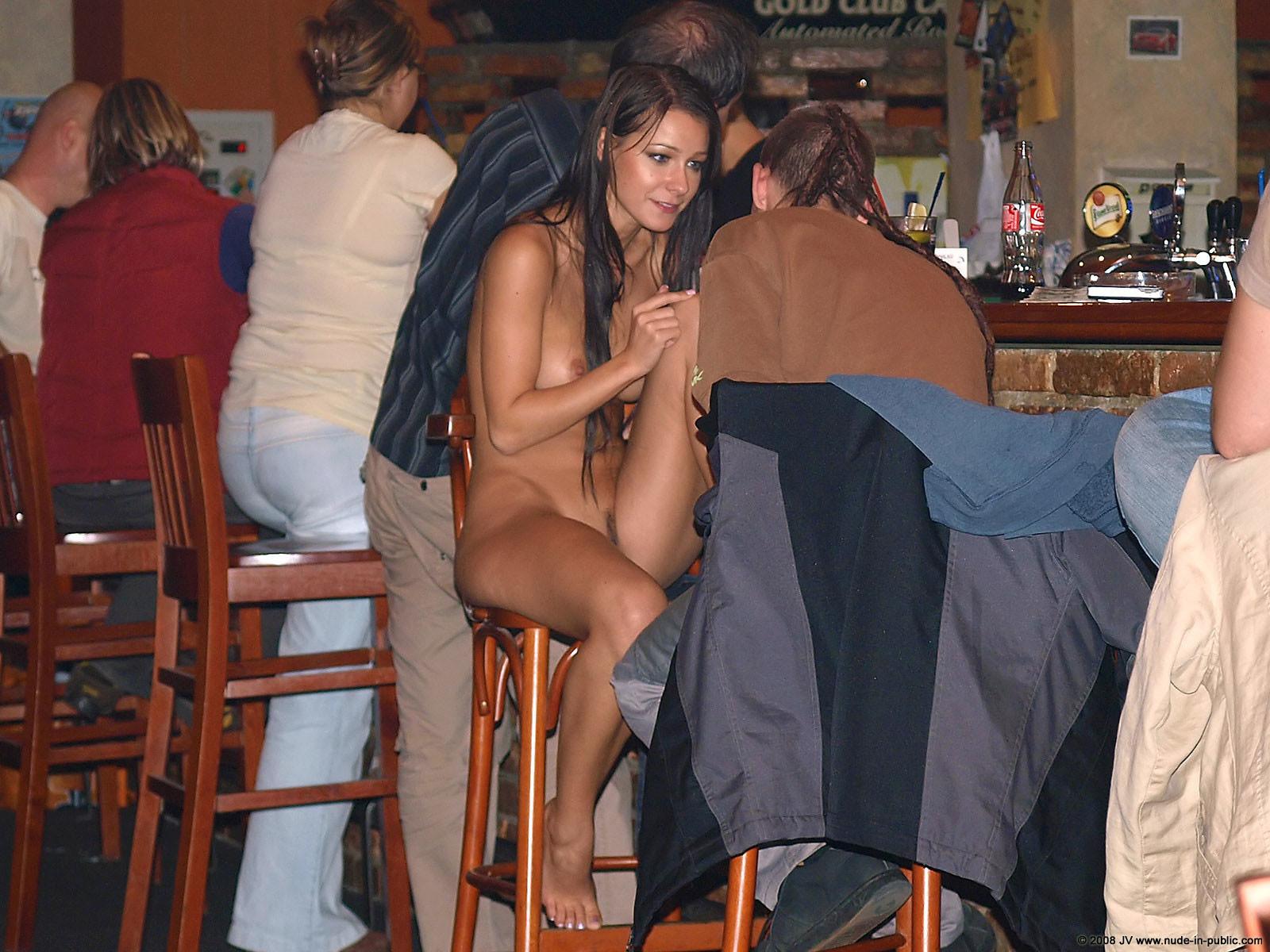 melisa-pub-beer-bar-girl-nude-in-public-90