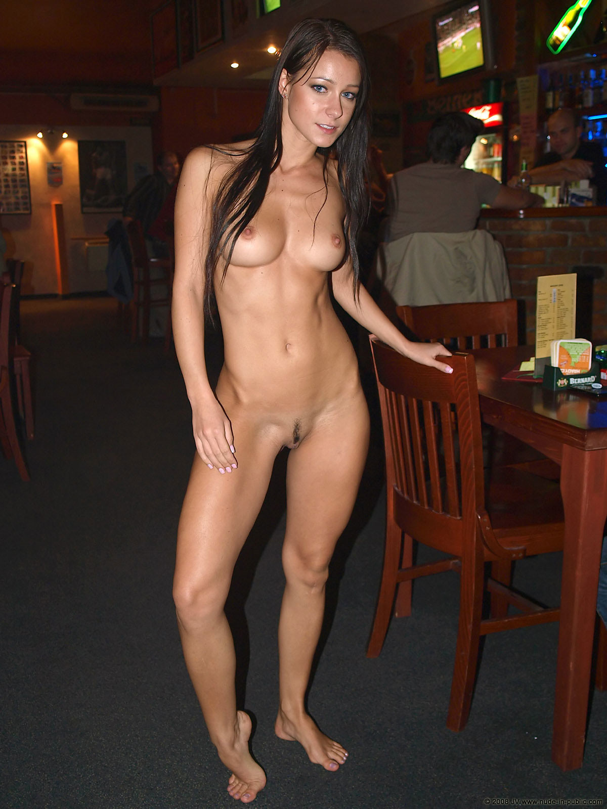 melisa-pub-beer-bar-girl-nude-in-public-92