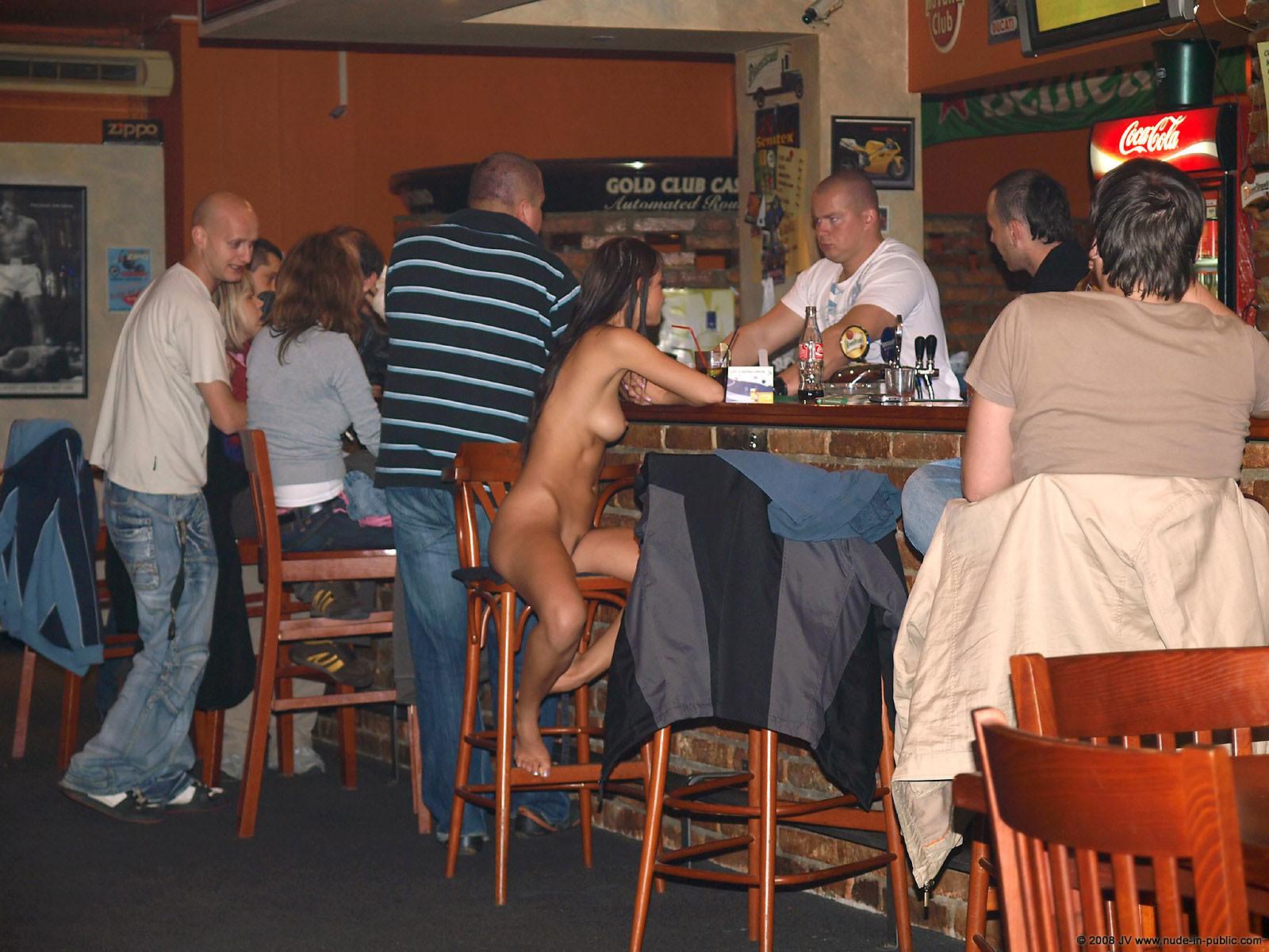 melisa-pub-beer-bar-girl-nude-in-public-98
