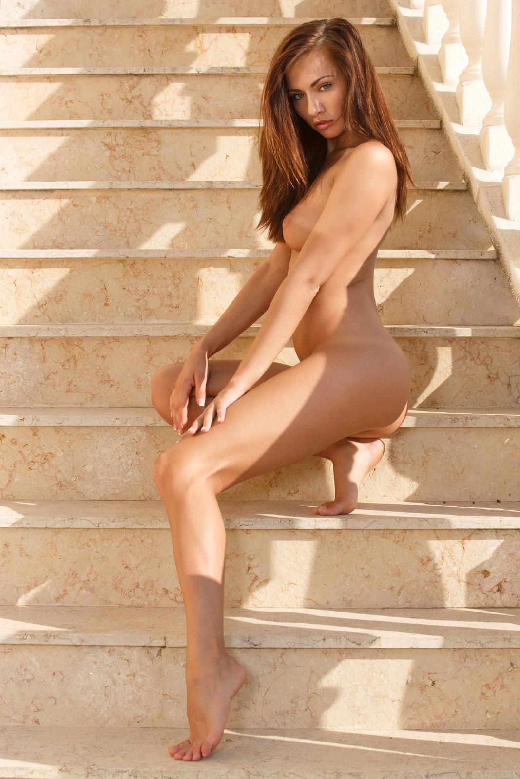 michaela-isizzu-stairs-high-heels-naked-sexart-28