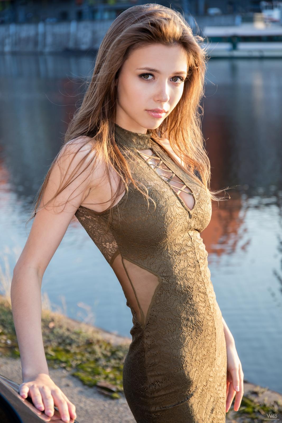 https://redbust.com/stuff/mila-azul-audi-rs5/milla-nude-audi-rs5-cars-pussy-watch4beauty-04.jpg