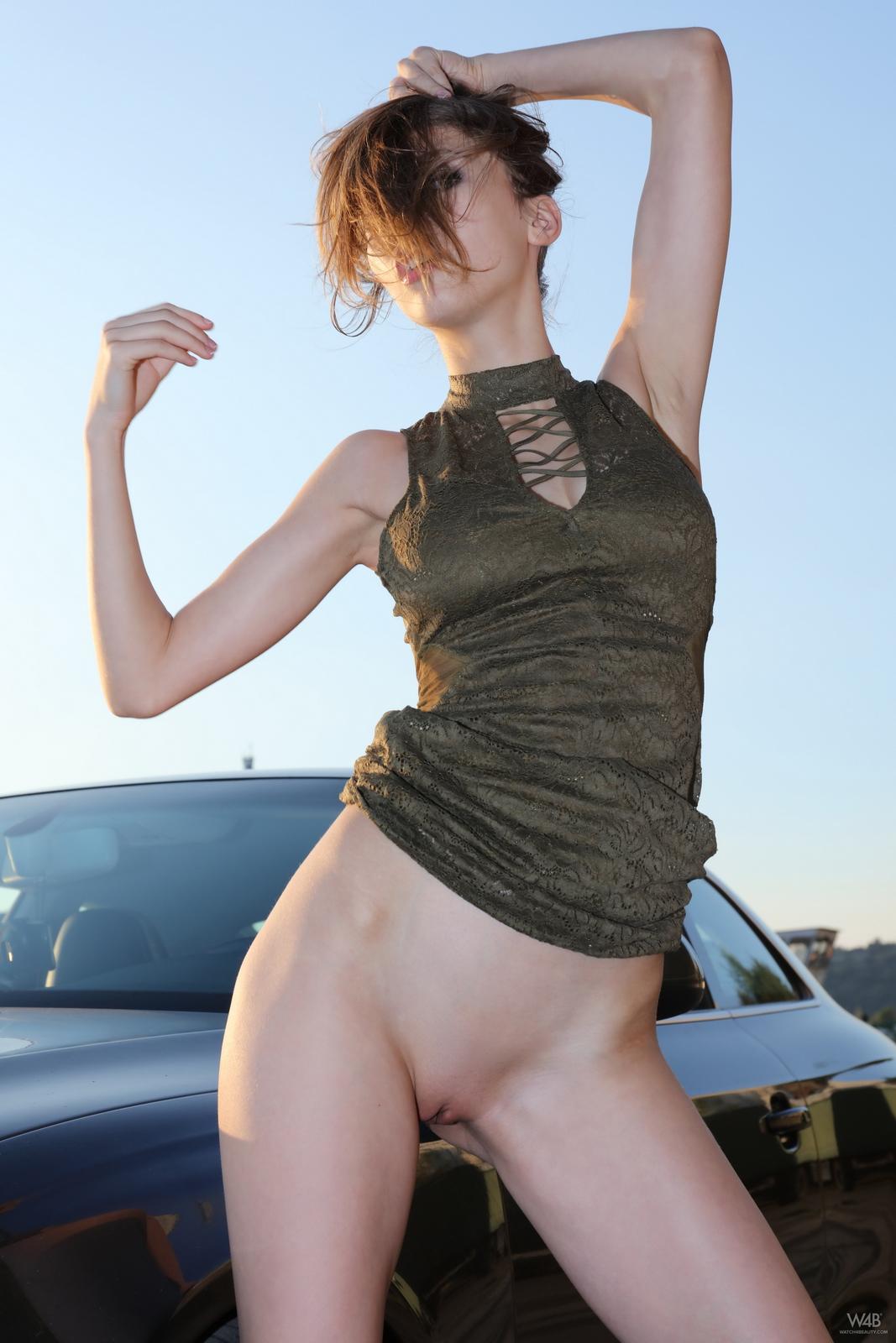 https://redbust.com/stuff/mila-azul-audi-rs5/milla-nude-audi-rs5-cars-pussy-watch4beauty-18.jpg