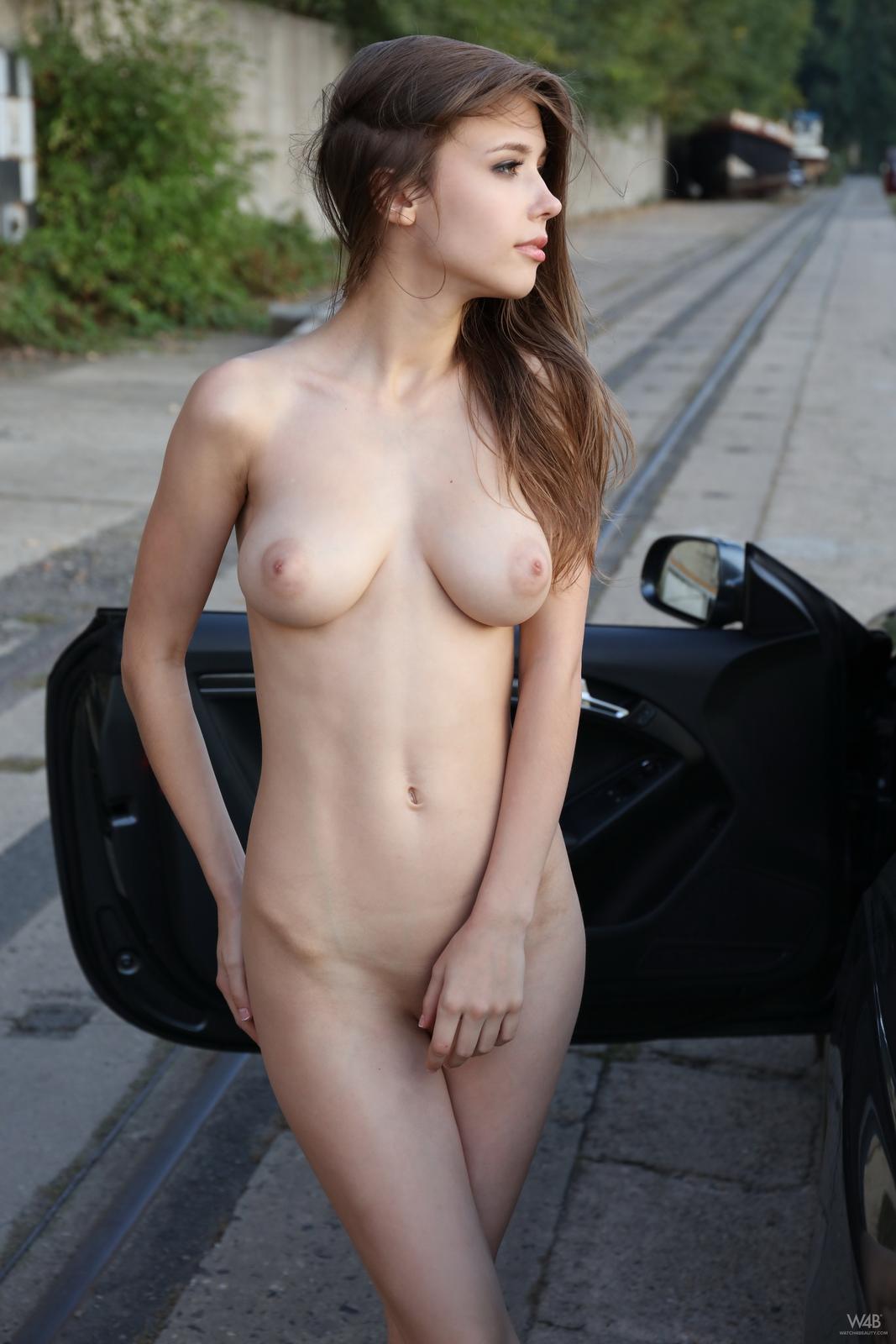 https://redbust.com/stuff/mila-azul-audi-rs5/milla-nude-audi-rs5-cars-pussy-watch4beauty-36.jpg
