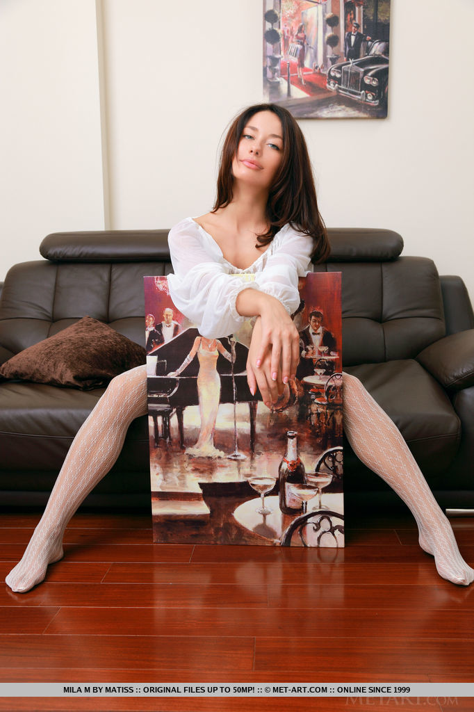 mila-m-white-stockings-met-art-02