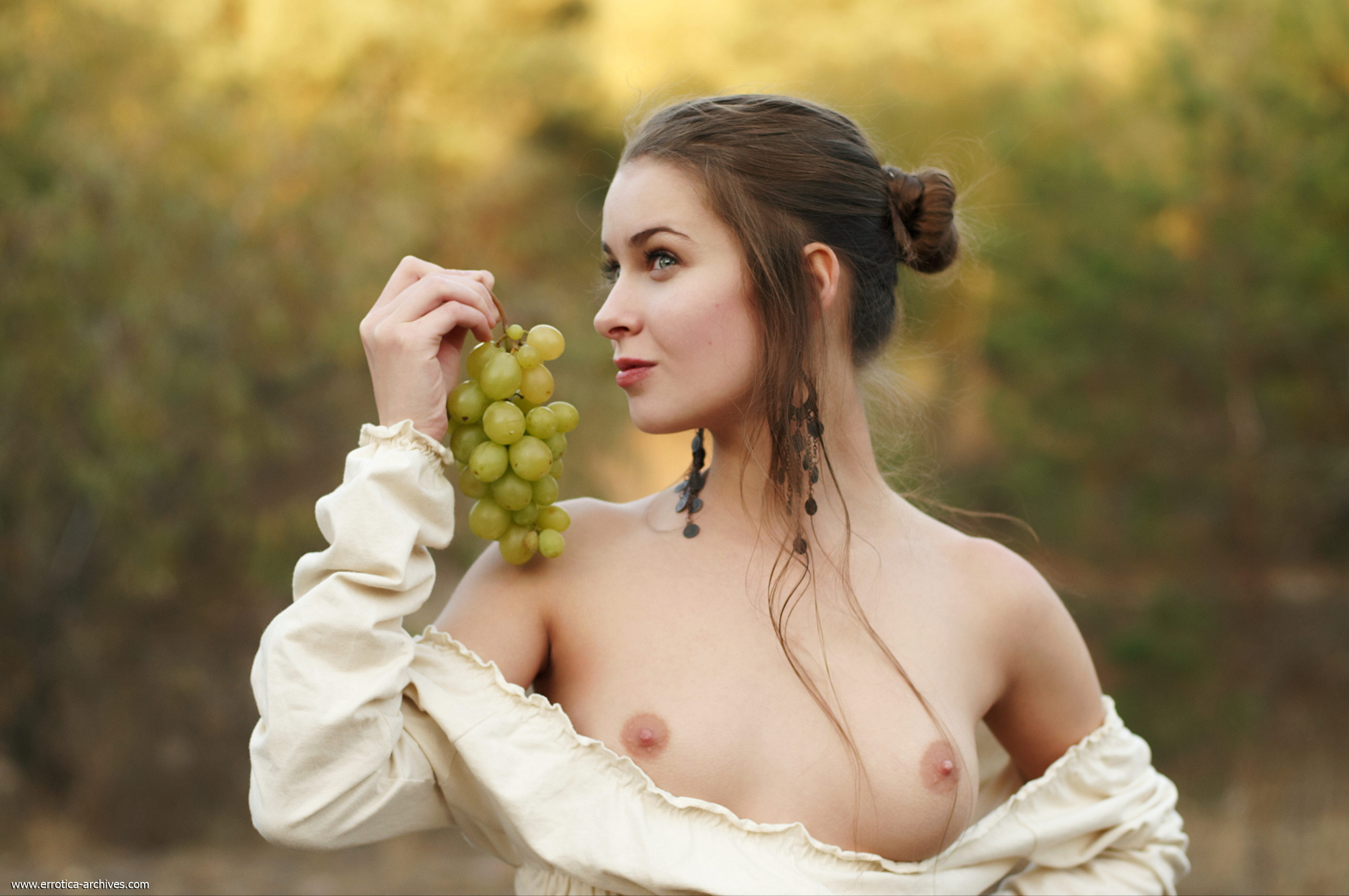 milana-naked-jug-wine-grapes-outdoor-errotica-archives-04