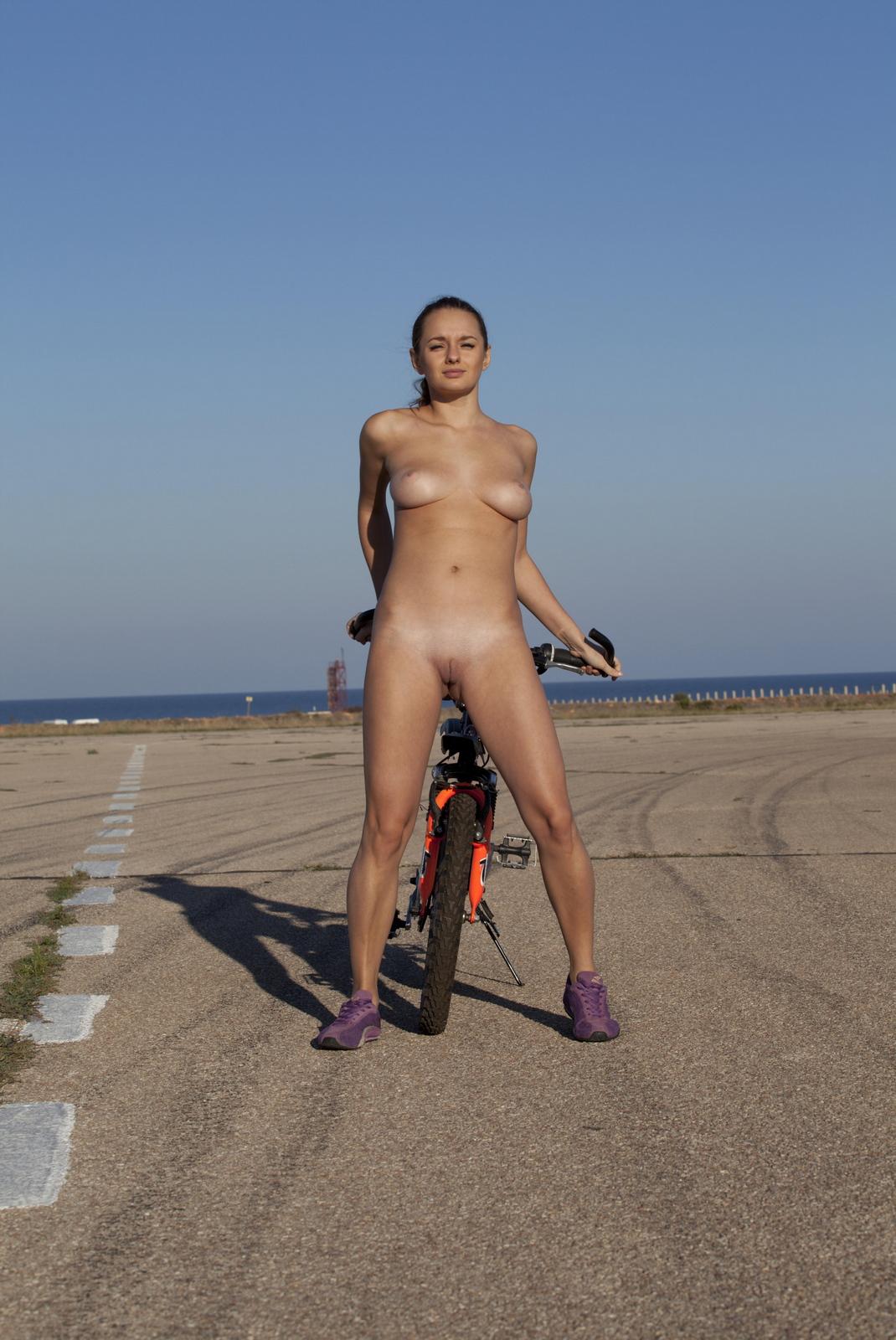 mishel-c-bicycle-boobs-naked-domai-13