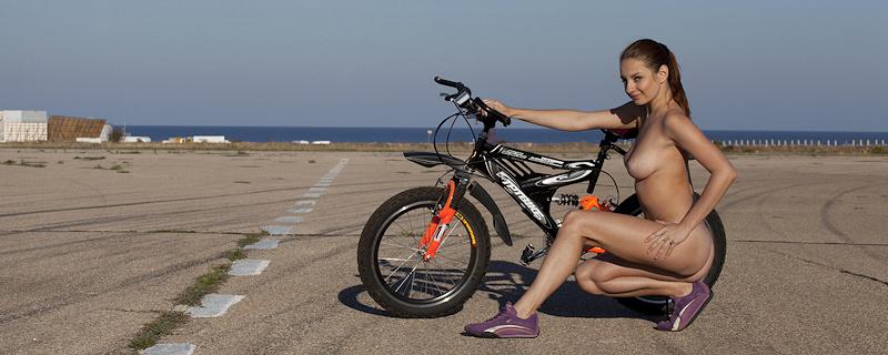 Mishel C – Pretty cyclist