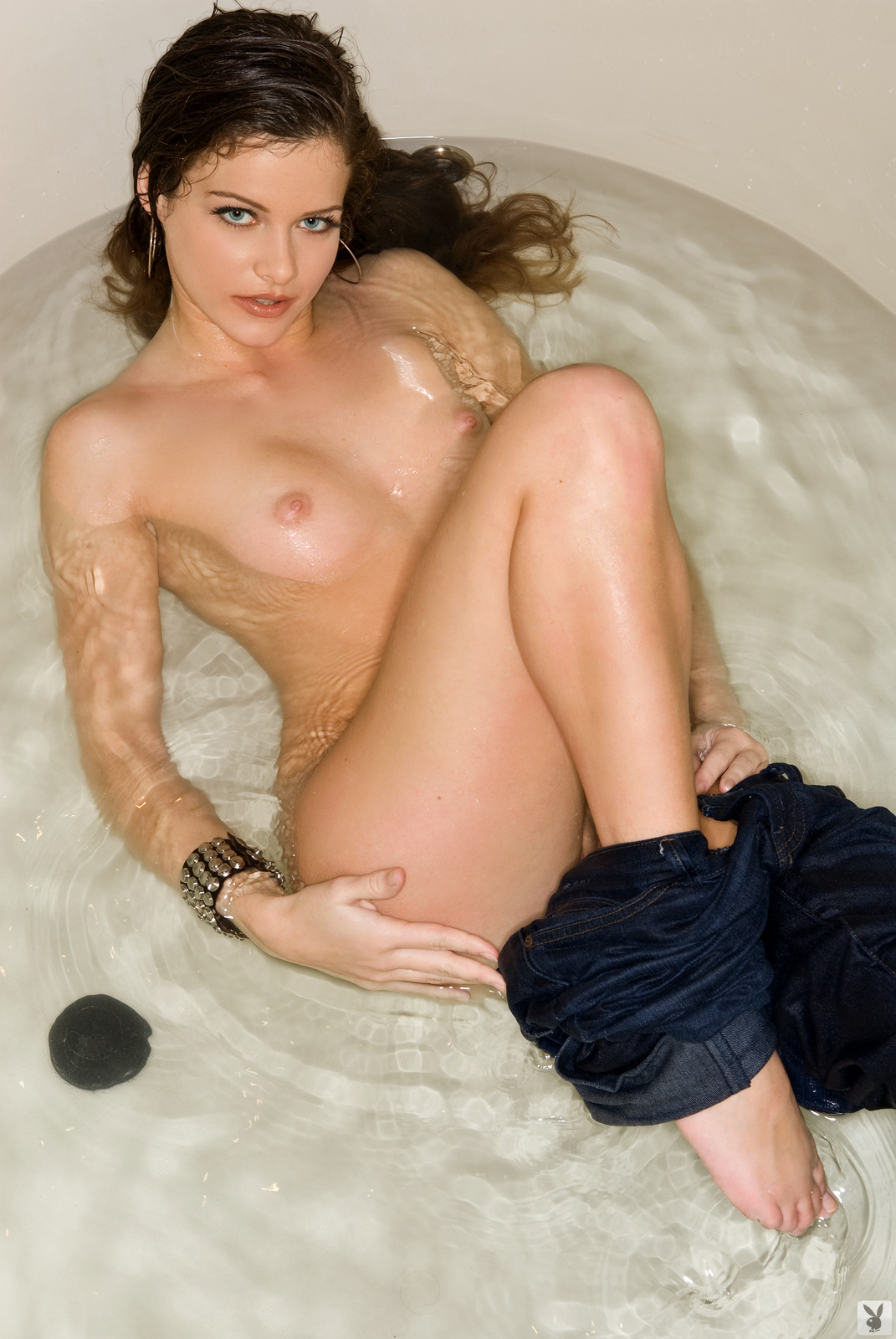 Lucie Jeanne Nude