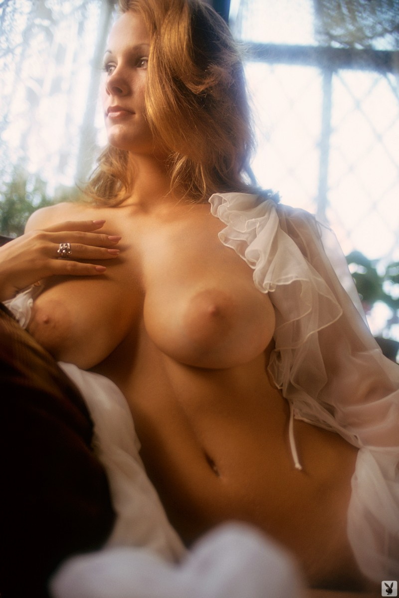 Big old titties she wants to fuck now 8
