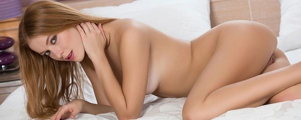 Nicky Hendrix naked on bed