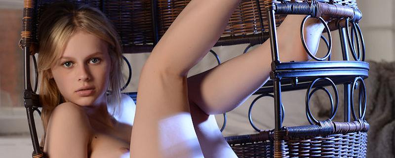 Nika L – Hanging wicker chair