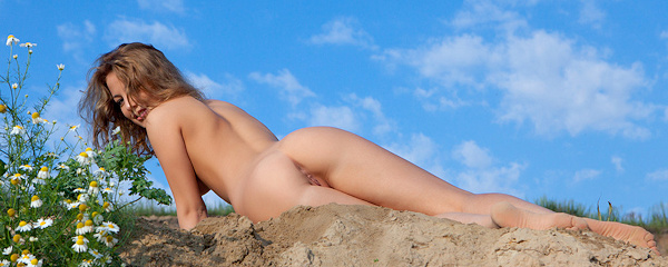 Nikia naked outdoors