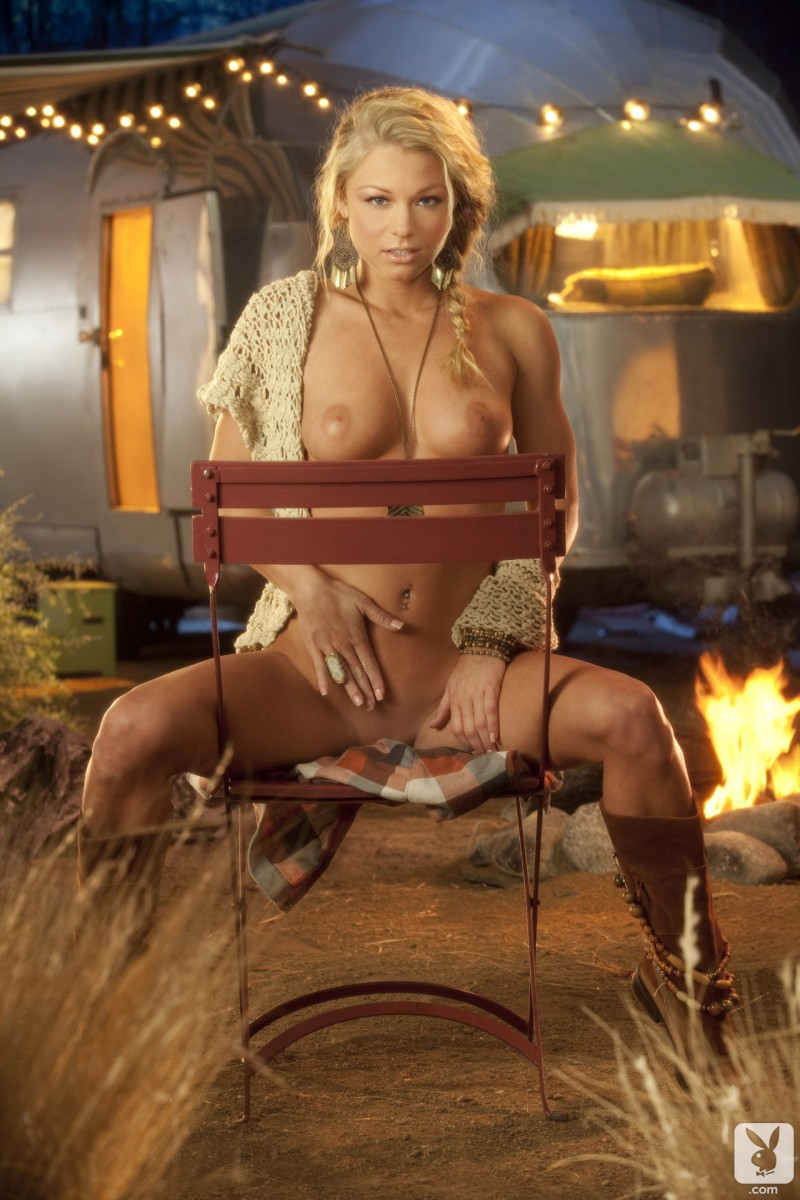latina naked gallery