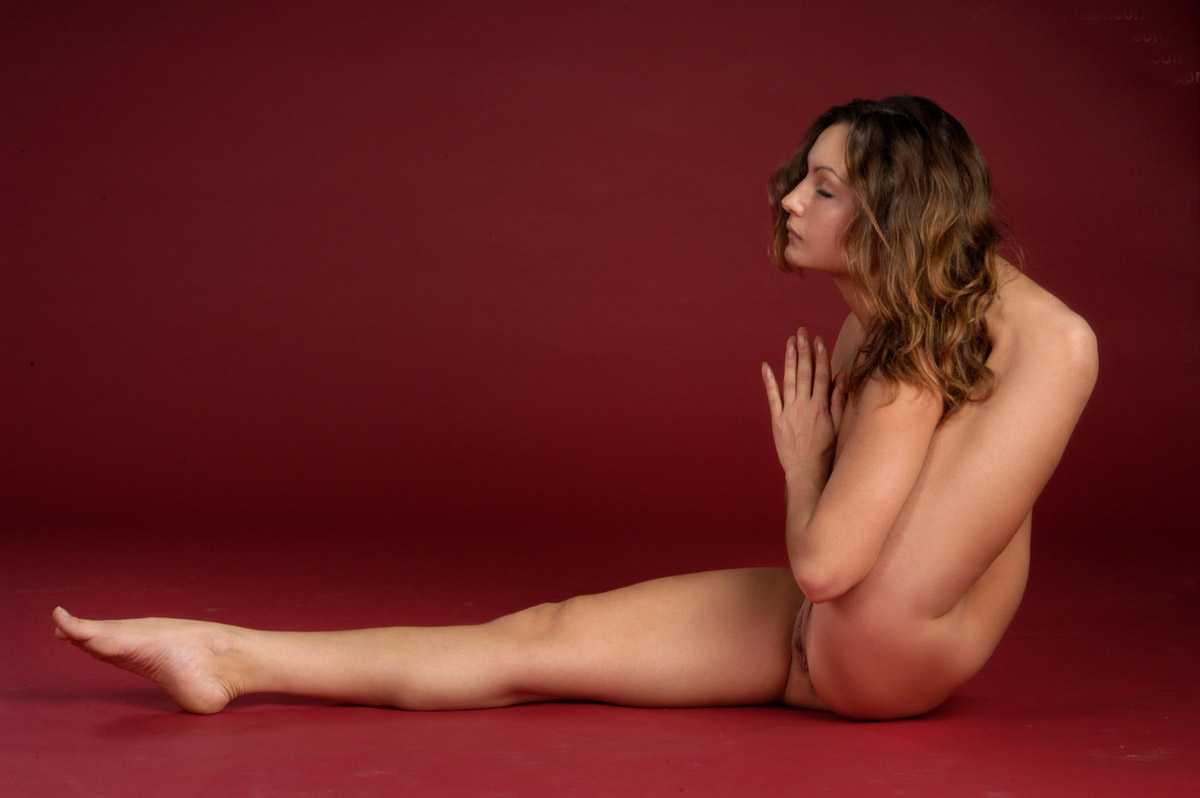 Most beautiful flexible naked girl — 1