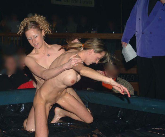 драка голых девушек на ринге полная версия - 11