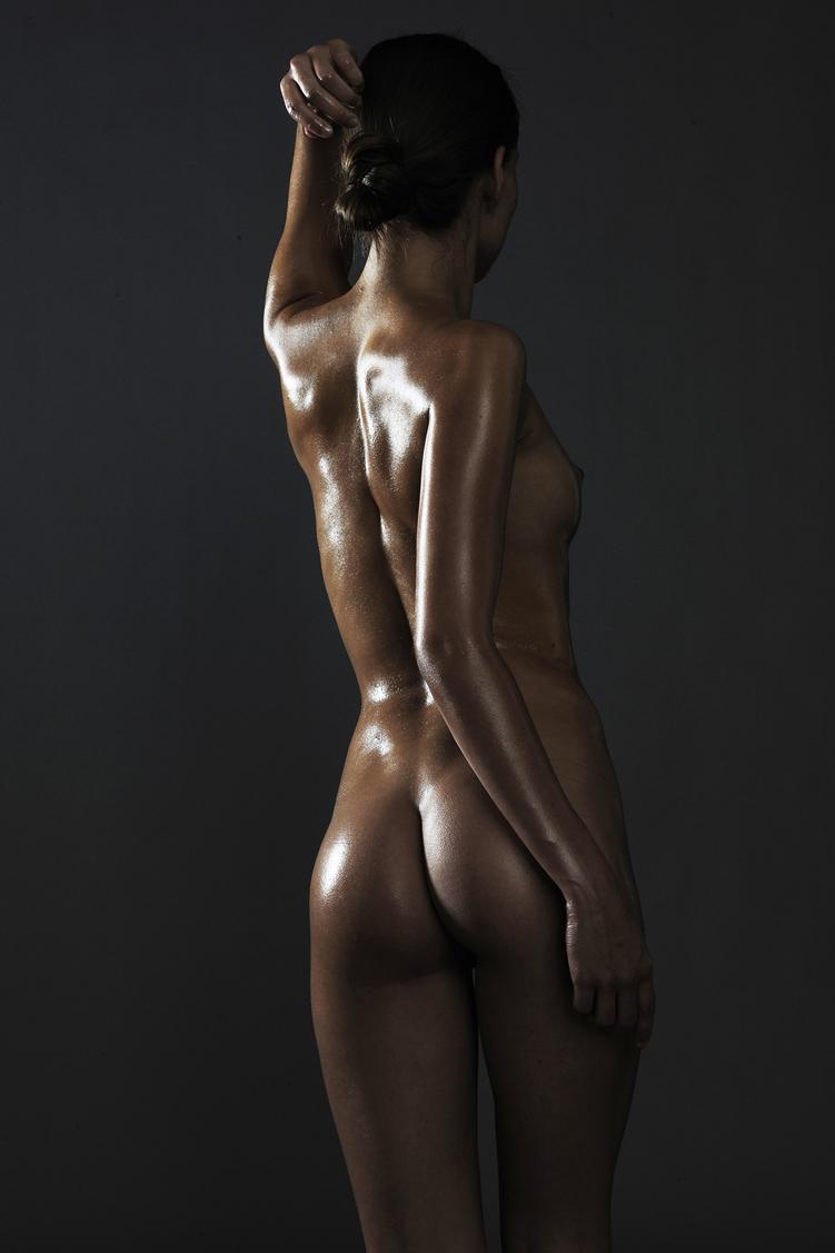 Chudry oili nude woman