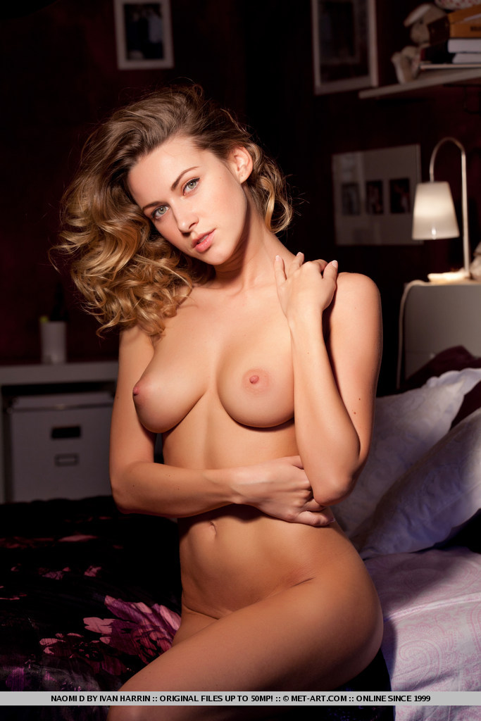 naomi-d-garters-stockings-nude-metart-13