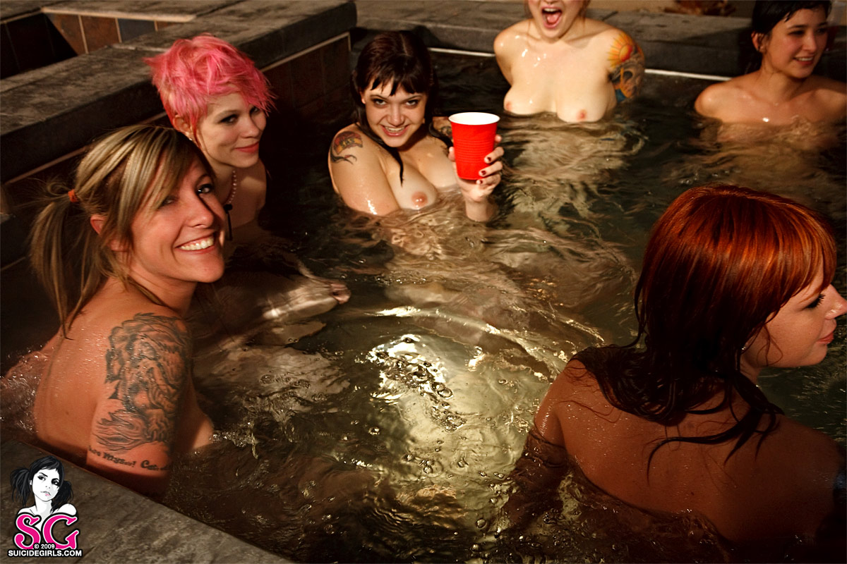 and-suicide-girls-pool-nude-west