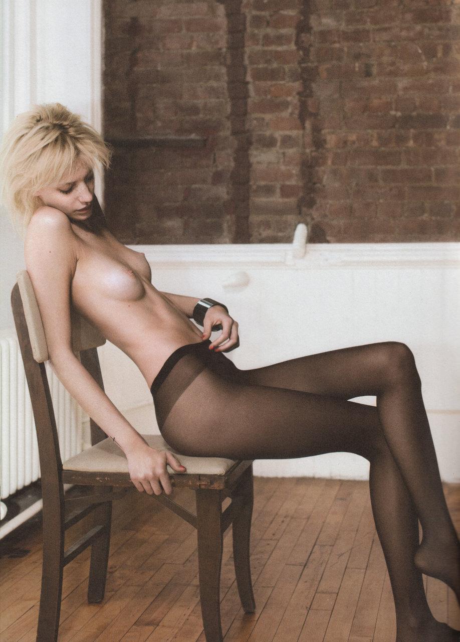pantyhose-and-stockings-41
