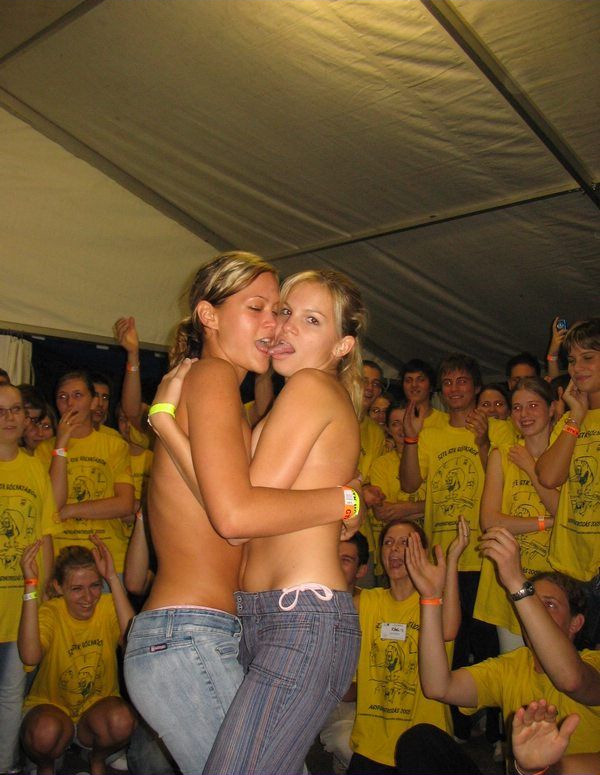 party-girls-04