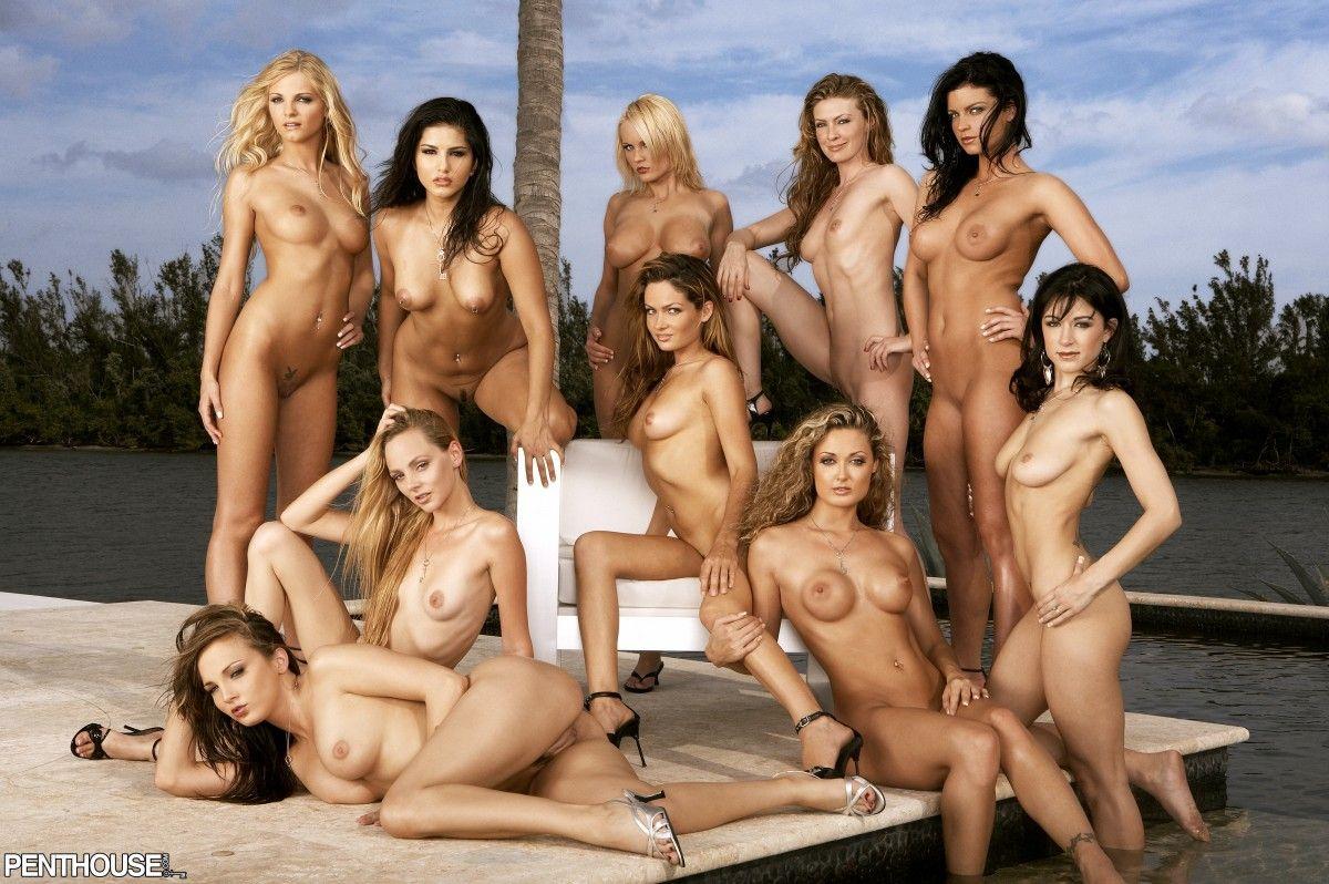играть в голых совсем голых телок них вели