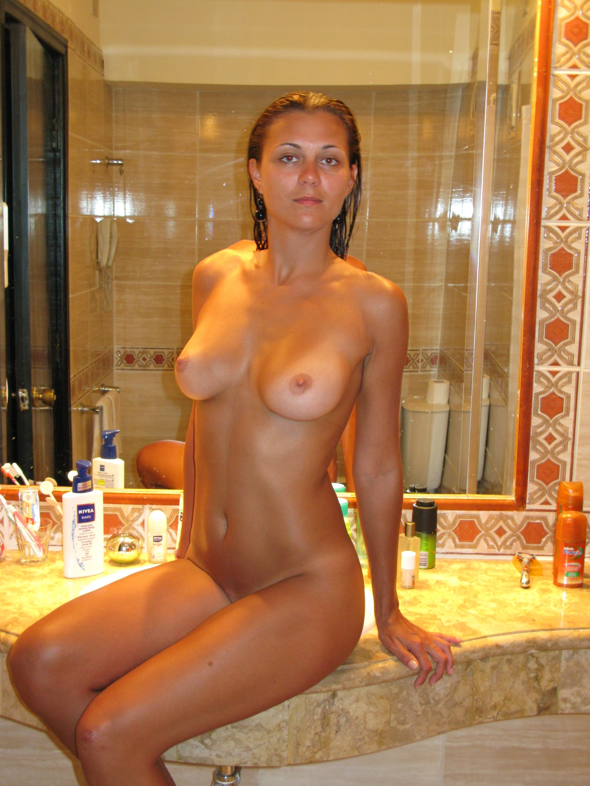 Perfect body nude amateur on vacation 16 RedBust