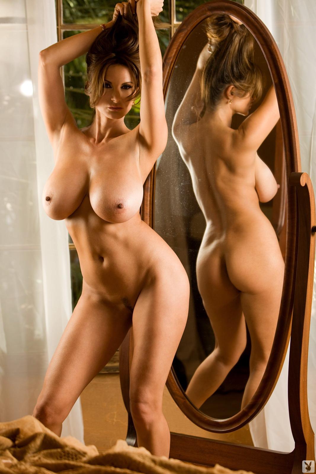 люди, голые красивые пышногрудые женщины откровенные