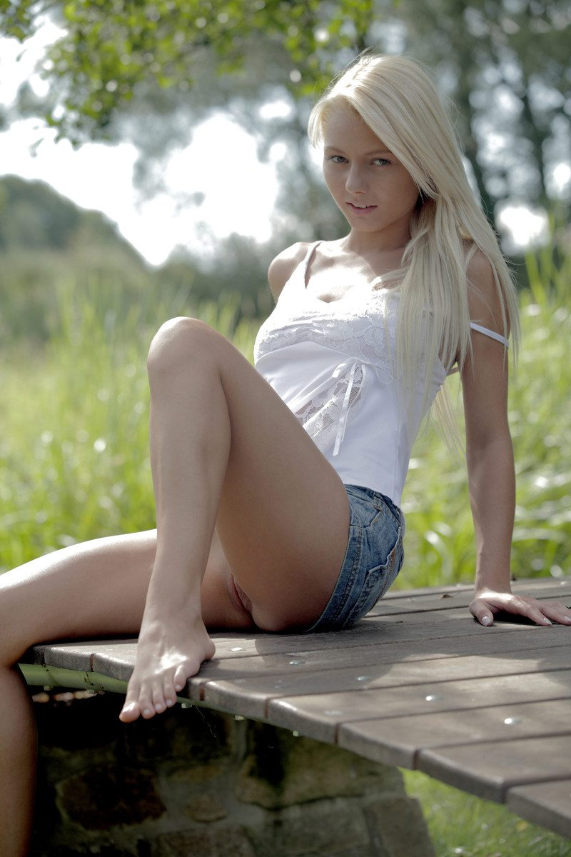 girl miniskirt porn xxx